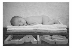 Newborn shoot met letters